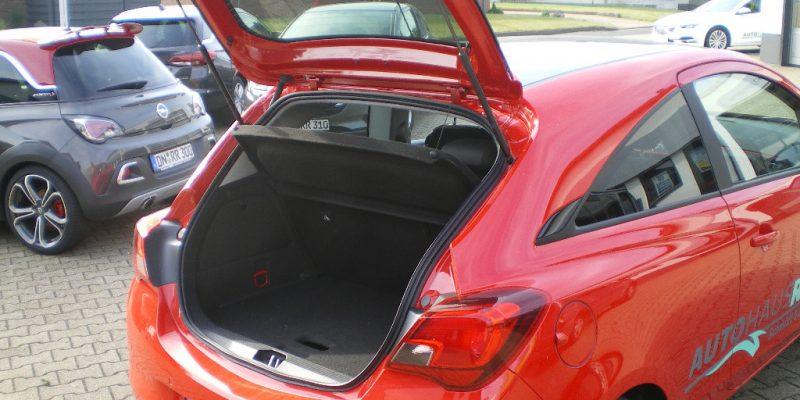 corsa-rot-kofferraum