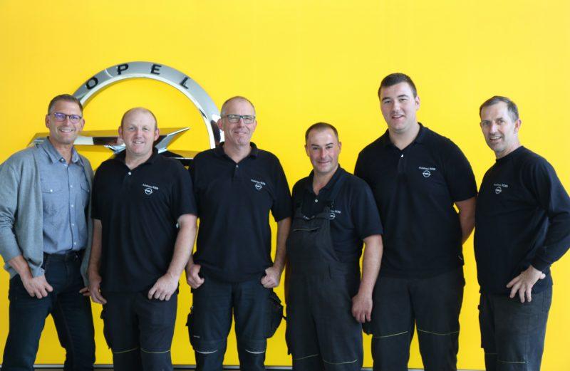 Das Team vom Autohaus Rene Roeb in Nideggen-Schmidt.